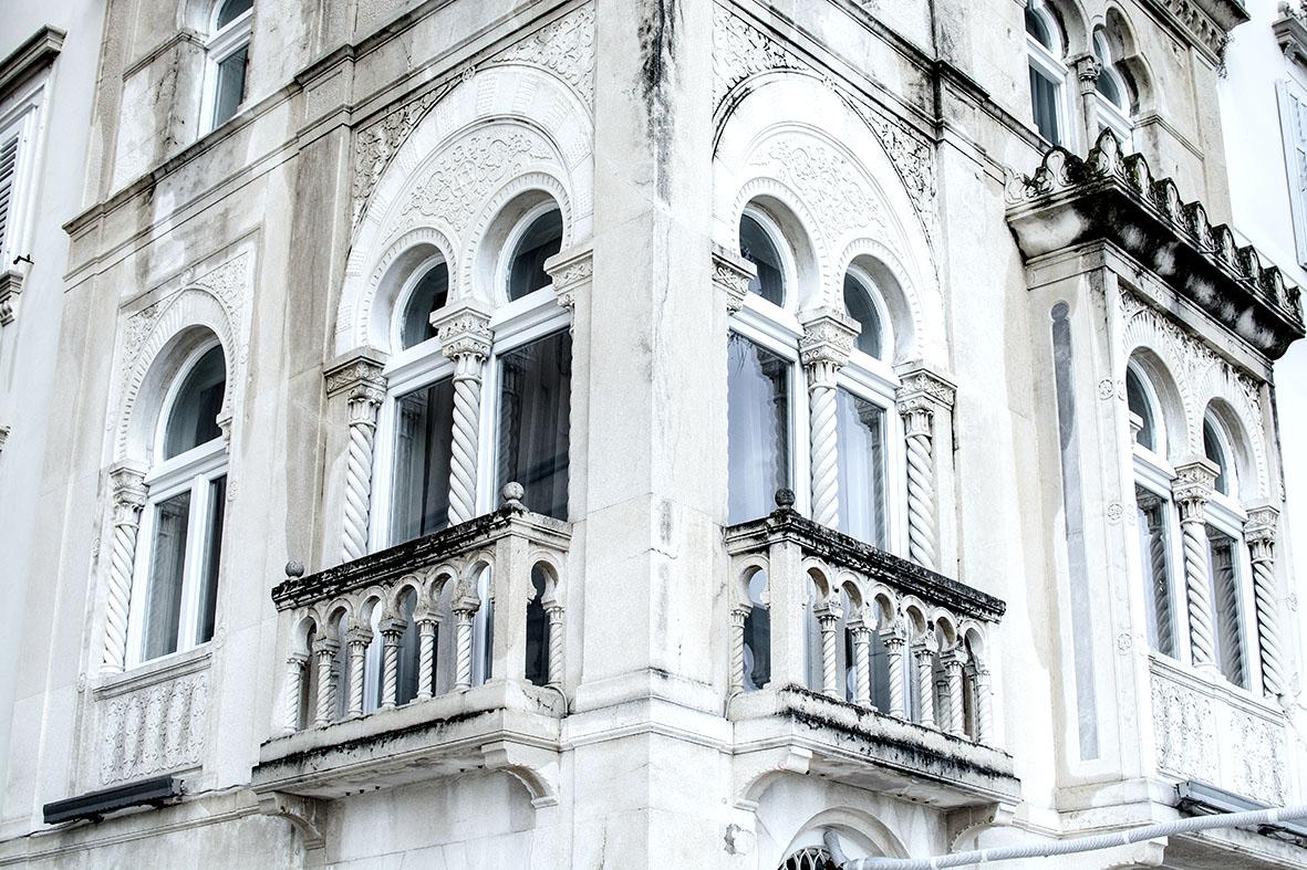 Häuserfront in Split |Kroatien | chestnutandsage.de